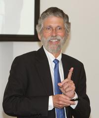 Luis Echegoyen